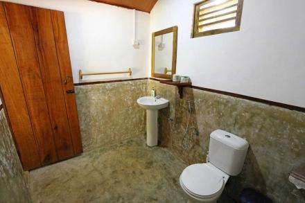 Cabana 5 Bathroom