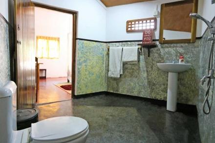 Cabana 4 Bathroom