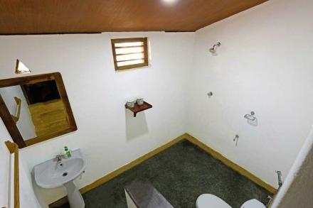 Cabana 6 Bathroom