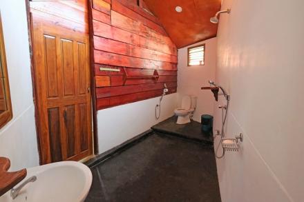 Cabana 8 Bathroom