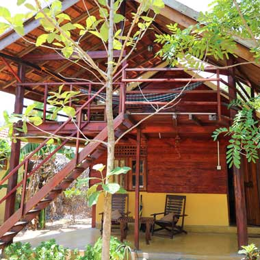 Stay Golden Cabanas 4 and 8 are made of wood and accommodate 2 persons.