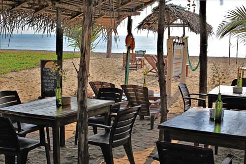 Stay Golden Restaurant: Eat with us at the beach of Arugam Bay