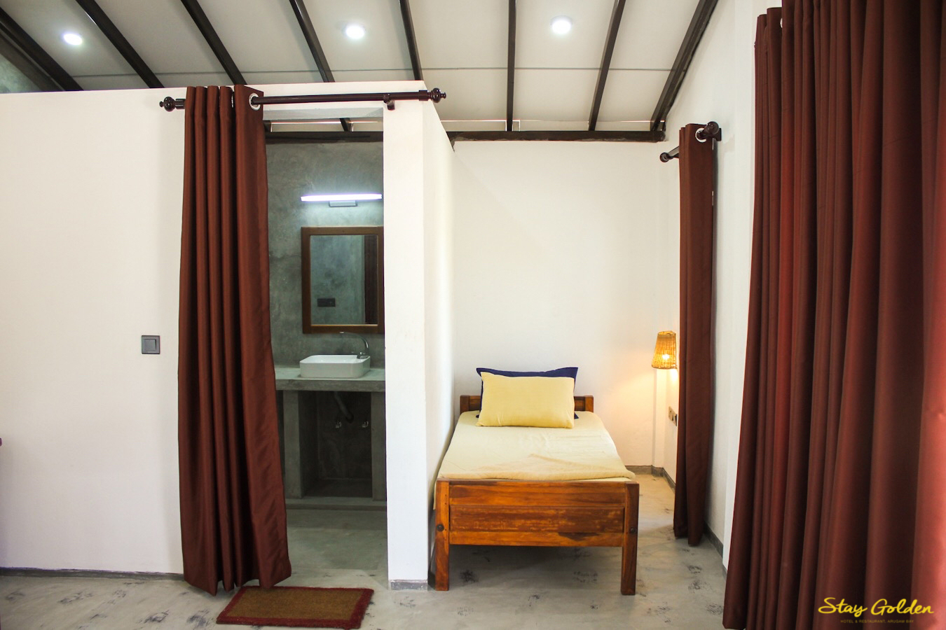 Stay Golden Cabana 5 Single Bed